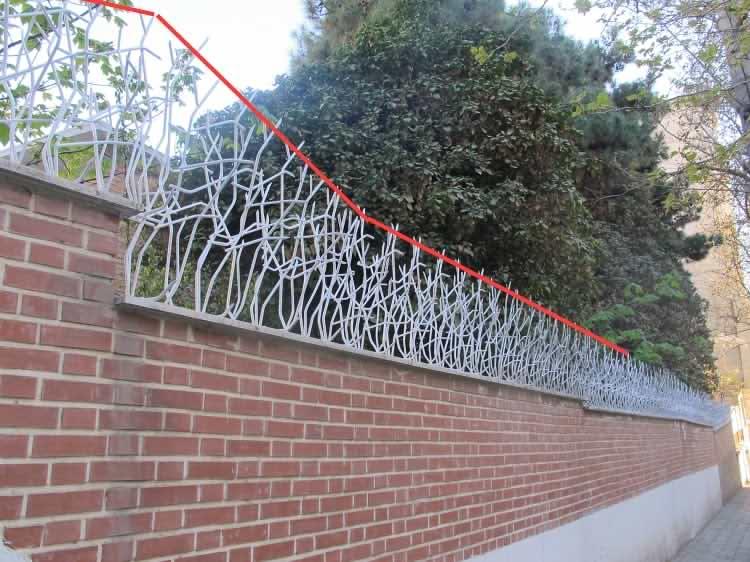 اجرای حفاظ شاخ گوزنی در دیوارهای پلکانی1